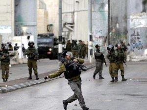 İşgal güçleri ile Filistinli gençler arasında arbede