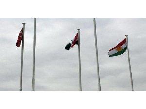 Atatürk Havalimanı'nda dalgalanan Kürdistan bayrağı, İran medyasının manşetlerinde
