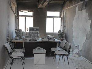 PYD, ENKS'nin Bürolarını Ateşe Verdi