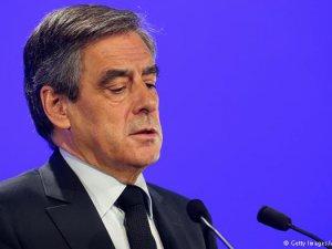 Fillon'a İstifa Baskısı Artıyor