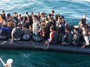 Akdeniz'de 873 Göçmen Kurtarıldı