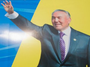 Kazakistan'da Cumhurbaşkanı Kendi Yetkilerini Kısıtladı
