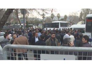 Vatan Caddesi'nde 200 kişi gözaltına alındı
