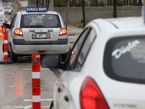 Sürücü Ehliyetlerin de Yeni Düzenleme