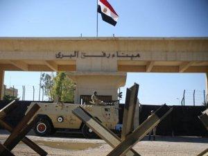 Mısır Gazze'ye beton pompası girişine izin verdi