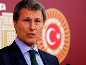 Özdağ ve MHP'li Halaçoğlu'nun Toplantısını Bastılar