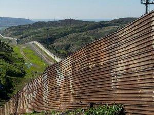 ABD'ye giren Meksikalı kaçak göçmenler azaldı