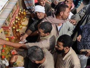 Sisi Mısır ekonomisini baş aşağı götürüyor
