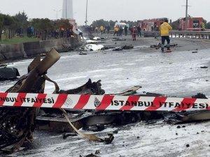 İstanbul Büyükçekmece'de helikopter düştü