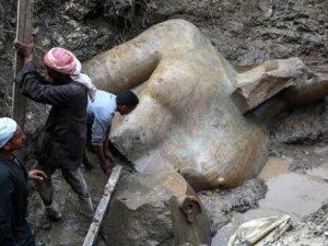 Mısır'da  2. Ramses'in heykeli ortaya çıktı