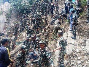 Nepal'de otobüs kazası: 26 ölü