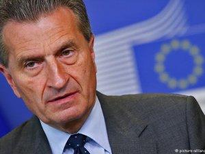 Oettinger: Siyasi gelişmeler AB yardımlarını etkiler