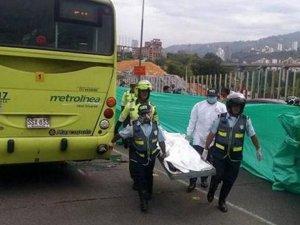 Haiti'de  Otobüs Kalabalığa Daldı: 34 ölü
