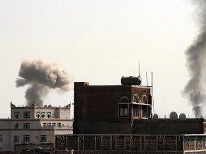 Yemen'deki hava saldırısında 12 kişi öldü