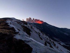İtalya'da Etna yanardağında yeni patlama
