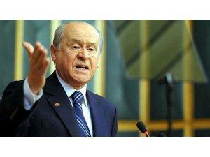 Devlet Bahçeli: Deniz Baykal halt ediyor