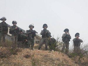 İşgal güçleri mülteci kampında Filistinlilere ateş açtı