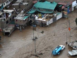 Peru'da sel felaketi 67 can aldı