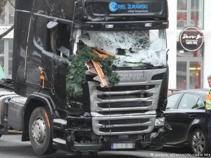 İstanbul'da Berlin saldırısıyla bağlantılı 3 gözaltı