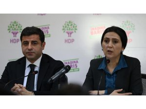Demirtaş ve Yüksekdağ'dan Newroz mesajı: Borçlu ve mahcup hissediyoruz