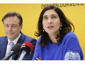 Belçika 'PKK destekçiliğiyle' suçlanan Kürt kökenli bakana sahip çıktı