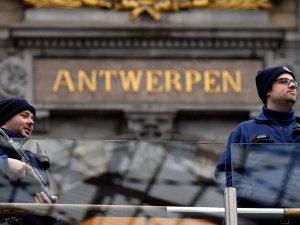 Belçika'da araçlı saldırı girişimi