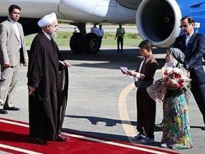 Ruhani'den Kürt kentine ziyaret