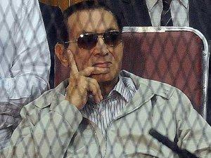 Mısır'ın devrik lideri Mübarek serbest