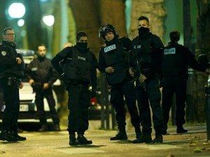 Fransa'da metroda ateş açıldı: Yaralılar var