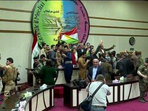 Kerkük Kent Meclisi'nden Kürdistan bayrağına onay