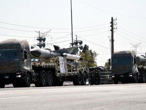 İran'da 'askeri üs' tartışması