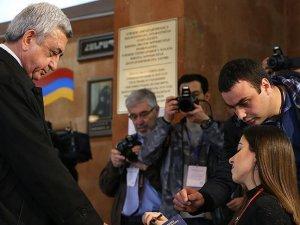 Ermenistan'da seçimleri Sarkisyan'ın partisi kazandı