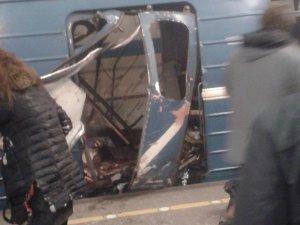 St.Petersburg metrosunda patlama:en az 10 ölü