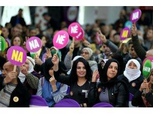 """HDP'nin """"Bêjin Na"""" şarkısı yasaklandı"""