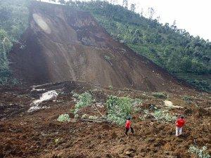 Endonezya'da 40 milyon kişi heyelan riski altında