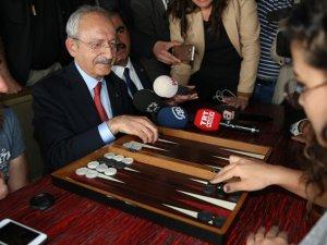 Kılıçdaroğlu 'evet' çadırını ziyaret etti