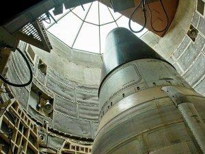 ABD Güney Kore'ye nükleer silah yerleştirmeyi planlıyor