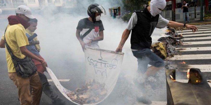 Venezuela'daki protestolarda şiddet artıyor