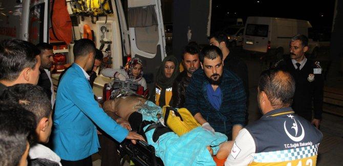 Van'da AK Parti ilçe başkanının konvoyuna saldırı