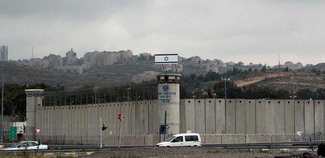 2 bin Filistinli açlık grevi başlattı