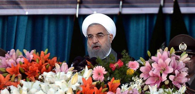 İran Cumhurbaşkanı Ruhani'den 'Devrim Muhafızları'na' eleştiri