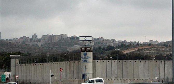 Siyonist Devlet Filistinli Mahkumlara Görüş Yasağı Getirdi