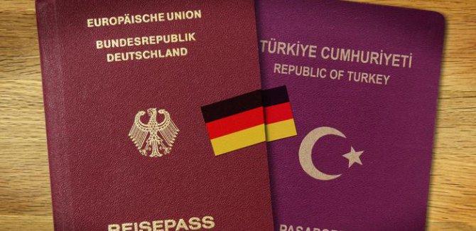Almanya'da çifte vatandaşlık kaldırılsın talepleri artıyor