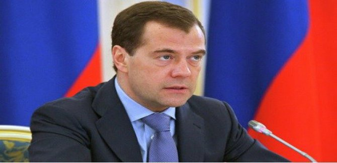 Medvedev: Suriye paramparça olur