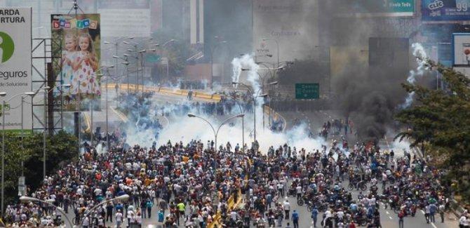 Venezuela'daki protestolarda 12 kişi hayatını kaybetti