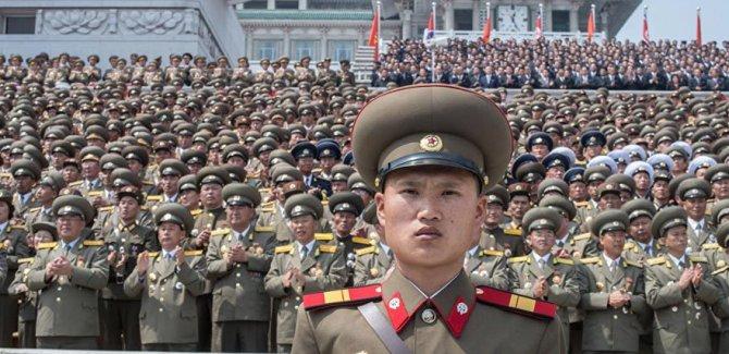 Kuzey Kore'den ABD'ye: USS Carl Vinson uçak gemisini vurmaya hazırız