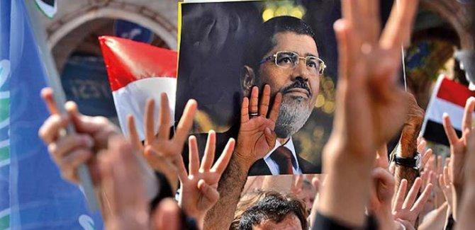 Mısır'da Darbe Karşıtı 128 Kişiye Hapis
