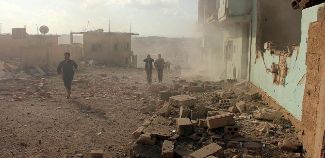 Esed rejimi Humus'ta sivilleri vurdu