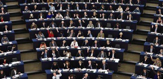 AP'den Türkiye raporu: Anayasa paketi değiştirilmezse müzakereler askıya alınsın