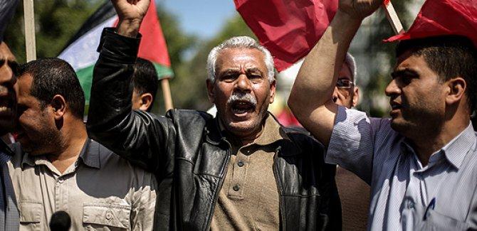 Yunanistan'da Filistinli Esirlere Destek Gösterisi